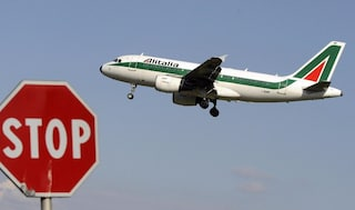 Alitalia, chiusa l'inchiesta: 21 indagati, anche Ad Unicredit e vice presidente Confindustria