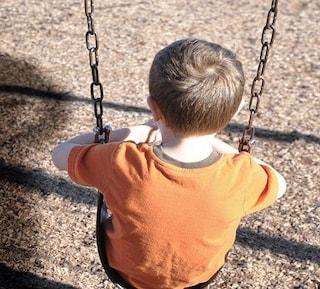 Trento, cade dalle scale in giardino: grave bimbo di 7 anni