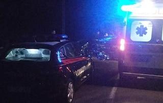 A1, scende dall'auto dopo aver sbadato contro il guardrail ma viene travolto da un tir: morto