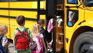 Valle d'Aosta, frontale scuolabus-auto: in ospedale due bambine di 4 anni
