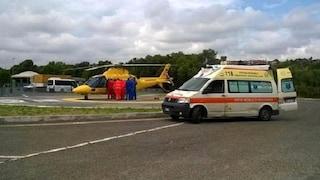 Cosenza, incidente dopo il lavoro: auto con 6 persone finisce nella scarpata, 2 morti