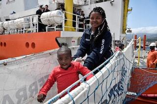 Migranti, giudici accolgono ricorso contro decreto Salvini: sì alla residenza ai richiedenti asilo