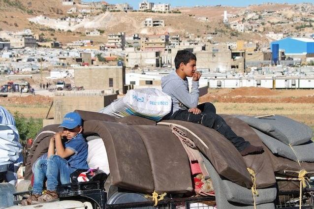 Lasciare la propria casa per un futuro migliore: Agus Morales racconta l'esodo dei migranti