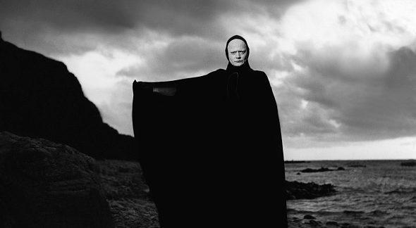 """Bengt Ekerot impersona la Morte ne """"Il settimo sigillo""""."""