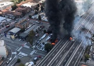 """Esplosione Bologna, i testimoni: """"Sembrava l'Apocalisse, abbiamo pensato a un attentato"""""""