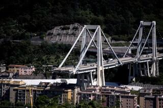 """Ponte Morandi, l'accusa dei giudici: """"Falsità pericolose per l'incolumità, Aspi voleva risparmiare"""""""