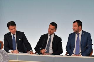 Sondaggi politici, scende il gradimento dei leader di governo: in calo Conte, Salvini e Di Maio