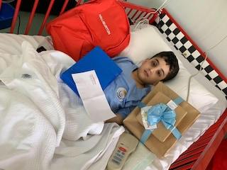 La generosità di Ahmed, 5 anni: affetto da spina bifida, dona il midollo osseo a due sorelle