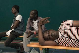 Dl Sicurezza, migranti con permesso umanitario cacciati dal Cara: alcuni sono finiti per strada