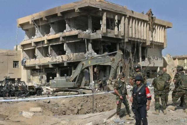 La palazzina di tre piani che ospitava i carabinieri della Msu (Multinational specialized unit) distrutta dall'attentato del 12 novembre 2003 (Ansa)