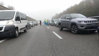 Savona, auto si schianta contro barriera di protezione sull'A10: 1 ferito e traffico in tilt
