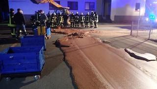 Germania, una tonnellata di cioccolato si riversa su una strada a causa di un guasto in fabbrica