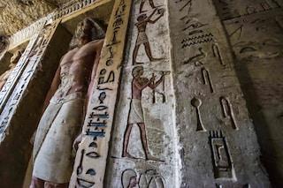 Storica scoperta in Egitto, tomba di oltre 4400 anni con statue e pitture intatte