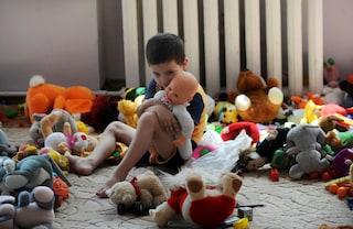 Udine, il comune di Codroipo mette al bando le bambole con la pelle scura dall'asilo nido