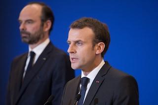 Gilet gialli in Francia, Macron annulla l'aumento delle tasse sul carburante per tutto il 2019