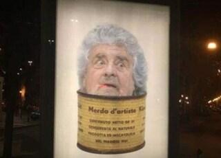 Beppe Grillo come 'merda d'artista': il finto manifesto pubblicitario a Torino