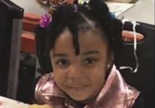 Usa, bimbo di 3 anni trova una pistola e uccide la sorellina