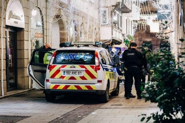Spari a Strasburgo: almeno 4 morti e 5 feriti, identificato il killer