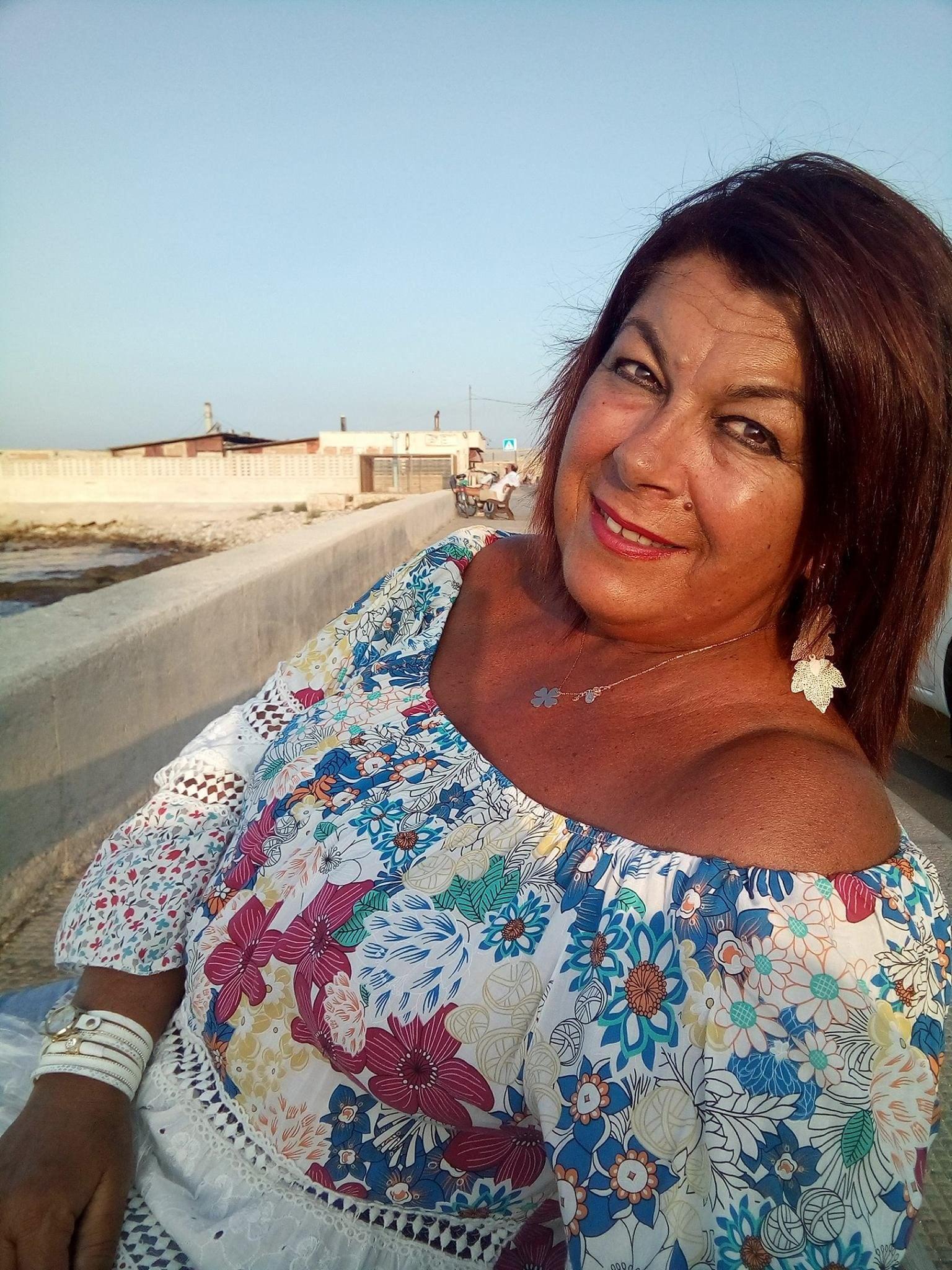 Cristina in riva al mare, il suo svago preferito.