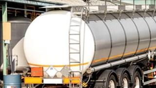 Verona, dramma sul lavoro: camionista muore asfissiato nell'autocisterna