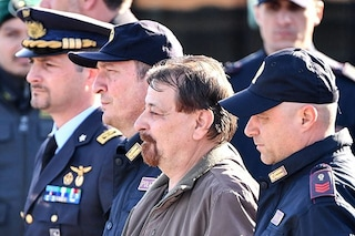 Cesare Battisti, respinta la richiesta della difesa: ergastolo confermato per l'ex terrorista
