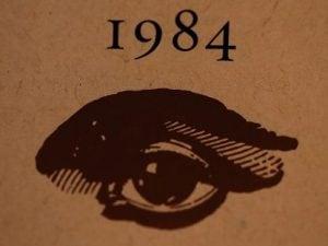 """Nel 1949 George Orwell pubblicava uno dei suoi romanzi più famosi: """"1984""""."""