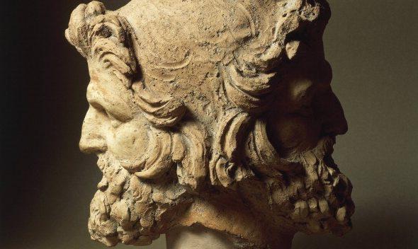 Busto di Giano di epoca etrusca rinvenuto in provincia di Viterbo.