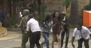 Kenya, commando attacca hotel a Nairobi: esplosioni e spari, morti e feriti