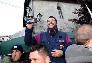 Di Maio e Di Battista illustrano l'agenda del governo e Salvini li 'corregge'