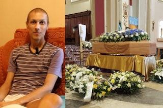 """Luca Cardillo, folla ai funerali al Duomo di Giarre: """"È morto solo il suo corpo"""""""