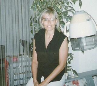 Parrucchiera va in pensione e dona le sue attrezzature a un collega terremotato di Arquata