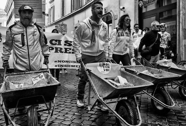 Francesco Pastorella in una delle 4 manifestazioni promosse dai comitati di terremotati del Centro Italia.