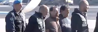 Cesare Battisti è in Italia dopo 37 anni: atterrato a Ciampino, andrà a Oristano