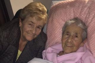 Data in adozione alla nascita: dopo 73 anni ritrova la madre che l'aveva abbandonata