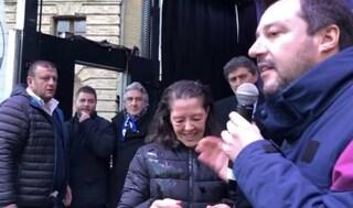 """Salvini ad Atri, lanciate uova contro il ministro: """"Imbecille, che atto rivoluzionario"""""""