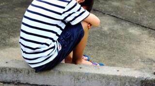 """Lettera al bambino rifiutato dalla mamma: """"La mia vita iniziata a 8 anni, rinascere si può"""""""