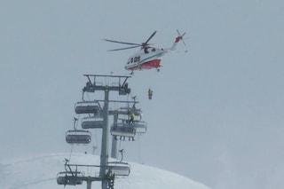 Cervinia, guasto alla seggiovia: 27 sciatori bloccati e recuperati in elicottero