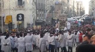 Catania, minacce durante festa di Sant'Agata: scatta la scorta per parroco e capovara