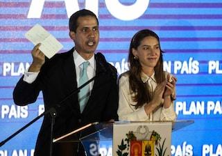 Chi è Fabiana Rosales, l'attivista e influencer venezuelana nel mirino per il marito Guaidò