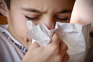 """Farmaci per la tosse a base di fenspiride, lo stop dell'UE: """"Possibili problemi al cuore"""""""