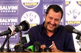 """Diciotti, migranti chiedono risarcimento. Salvini: """"Posso dare Bacio Perugina al massimo"""""""