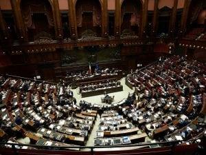 La camera approva la riforma che riduce il numero dei for Parlamentari numero