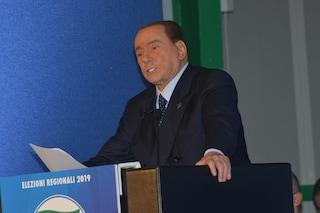 """Silvio Berlusconi: """"M5s vuole un regime come quello di Maduro, se governo non cade futuro nero"""""""