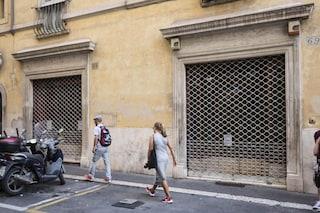 Chiusure domenicali, ancora un rinvio: il governo non decide e i negozi restano sempre aperti