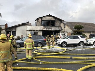 California, aereo da turismo precipita su una casa: 5 morti e 2 feriti