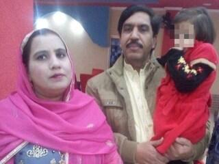 Pakistan, la polizia stermina a sangue freddo una famiglia innocente: il video choc