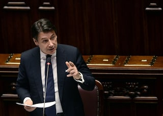 """La proposta di Giuseppe Conte: """"Serve salario minimo europeo e assicurazione contro disoccupazione"""""""