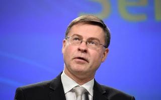 """Manovra, Dombrovskis: """"Economia italiana rallenta, governo riveda obiettivi di bilancio"""""""