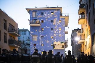 Torino, sgomberata la palazzina blu dell'Ex Moi