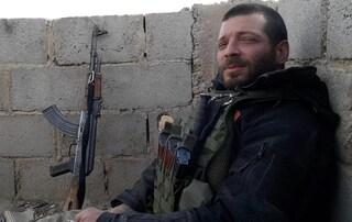 """I genitori di Lorenzo Orsetti, ucciso in Siria: """"Non facciamolo morire ancora, fermiamo il massacro"""""""